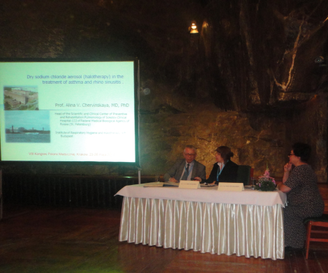 "Prof. Chervinskaya presenting report ""Dry aerosols in the treatment of rhino sinusitis and bronchial asthma"""